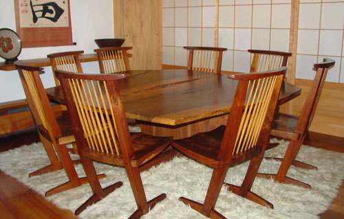A dining set in the so-called bath house, because of its large Japanese bath.