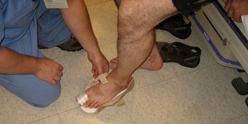 Jean-François gets a new shoe.